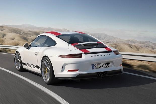 Porsche 911 R é uma versão com outra carroceria do 911 GT3 RS (Foto: Divulgação)