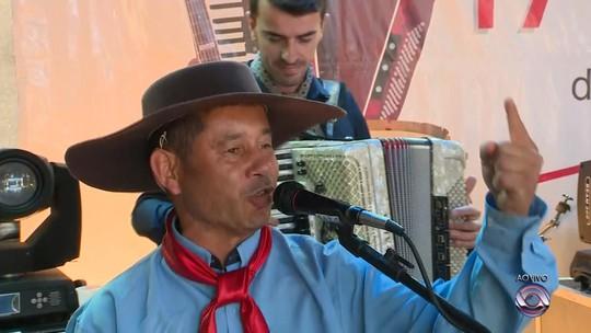 Desafio Os Trovadores: Vencedor é Vitor Hugo Medeiros, de Butiá