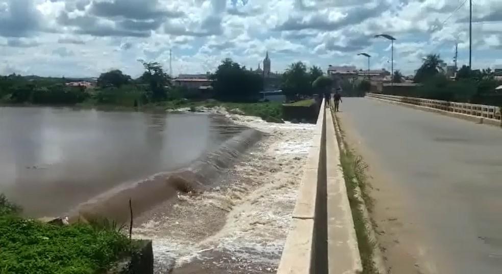Rio Salgado, em Aurora, no sul do Ceará (Foto: Reprodução)