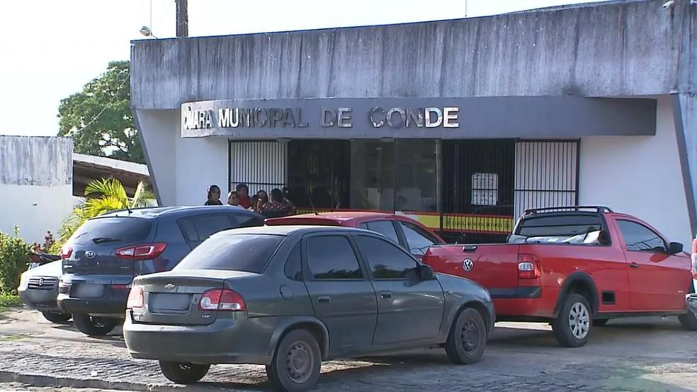 Câmara Municipal do Conde, na Paraíba — Foto: TV Cabo Branco/Reprodução
