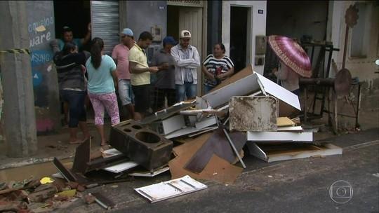 Em Coronel João Sá (BA), rompimento de barragem deixa 500 desabrigados