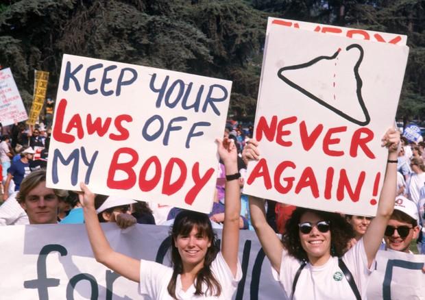 Resultado de imagem para Dia de Luta pela Descriminalização do Aborto: 5 mulheres compartilham suas experiências