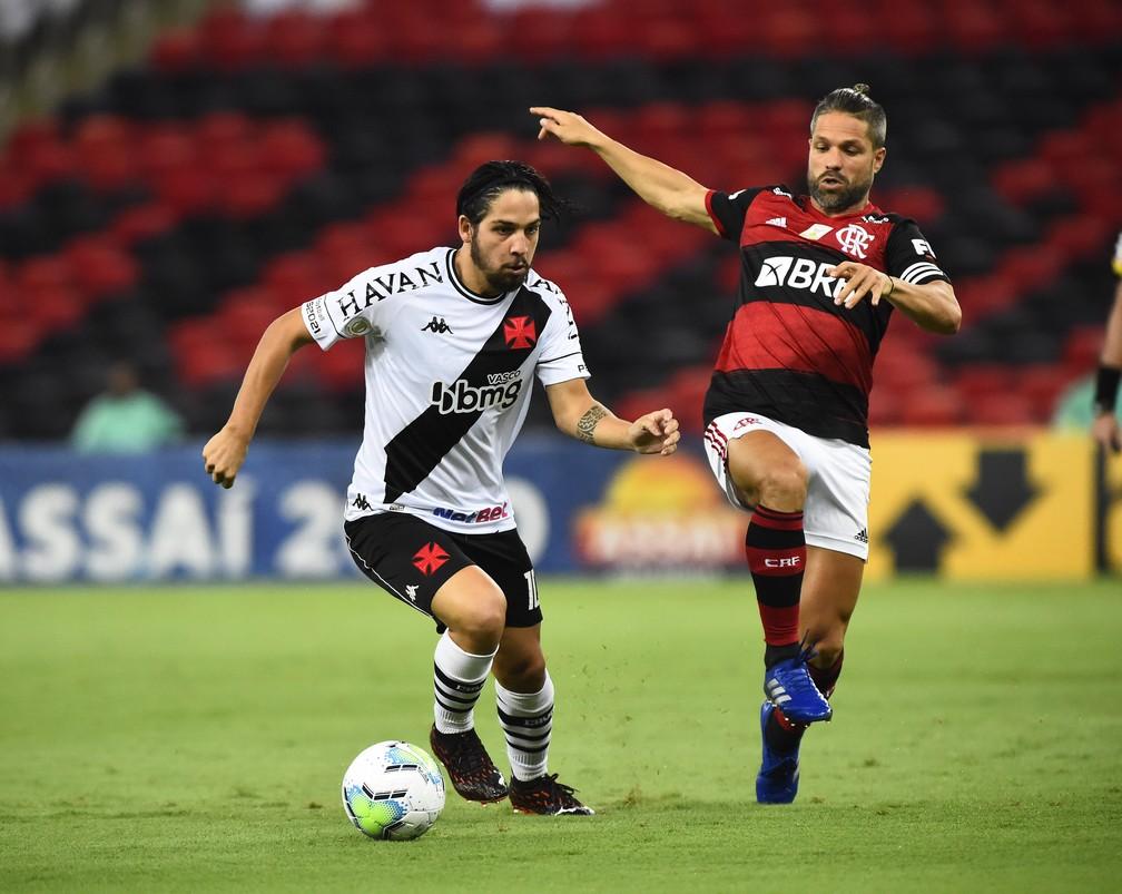 Benítez em ação pelo Vasco contra o Flamengo — Foto: André Durão / ge