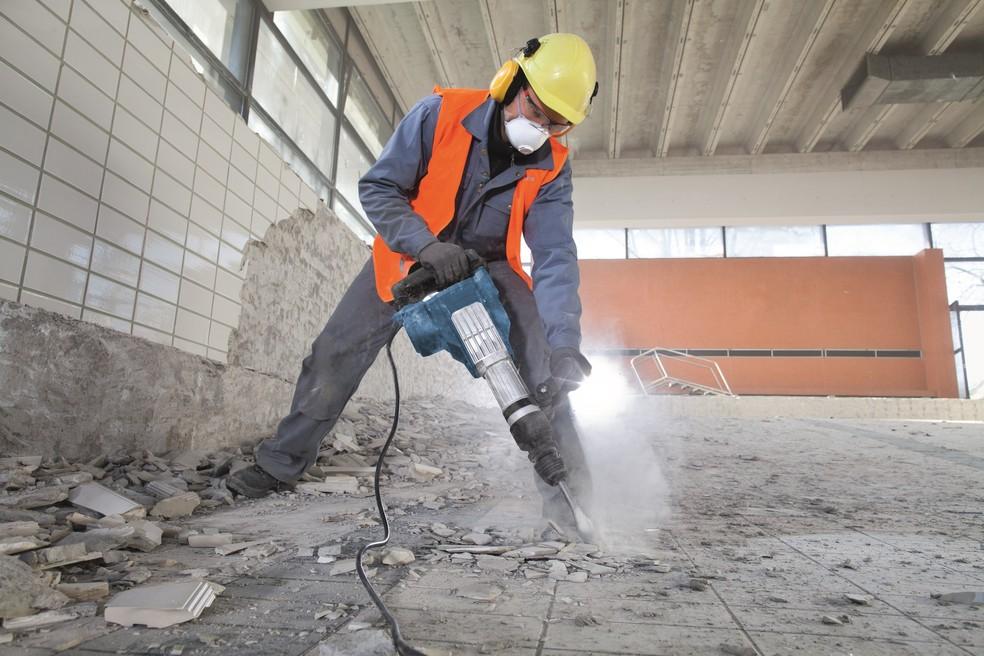 Ter as ferramentas certas em mãos é essencial para aumentar a produtividade na obra — Foto: Casa do Construtor/Divulgação