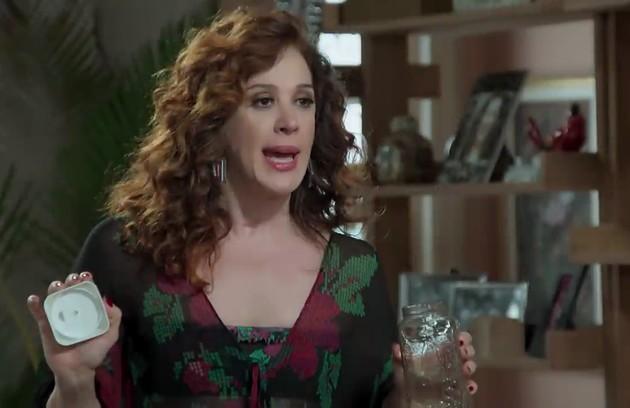 Lidiane (Claudia Raia) ficará encantada com Patrick (Klebber Toledo) e os dois se envolverão (Foto: TV Globo)