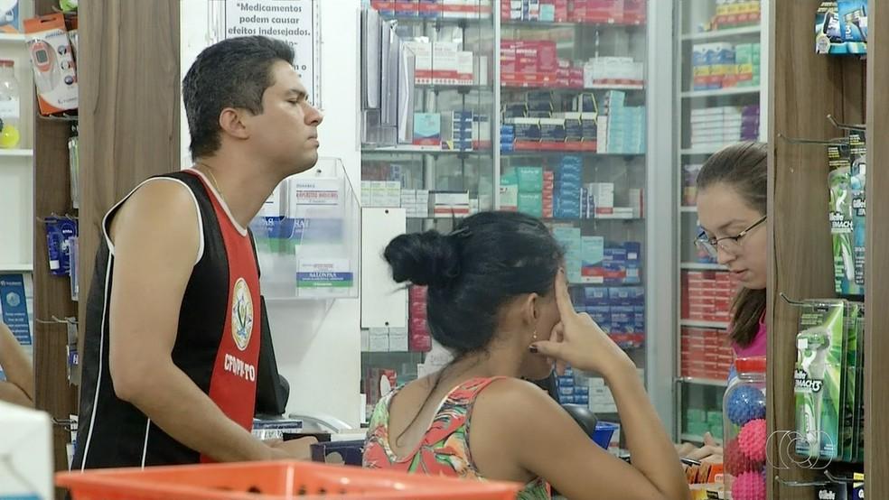 Pesquisa é alternativa para quem procura medicamentos mais baratos (Foto: Reprodução/TV Anhanguera)
