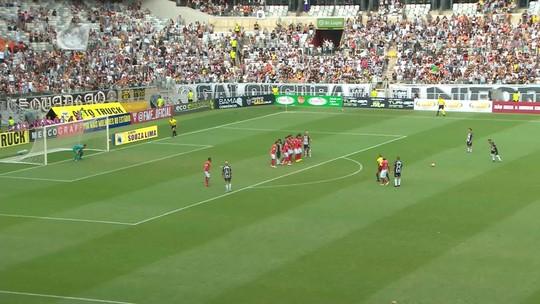 """Bola da vez no Atlético-MG, Terans se cobra e revela chateação por atuações: """"Posso dar muito mais"""""""