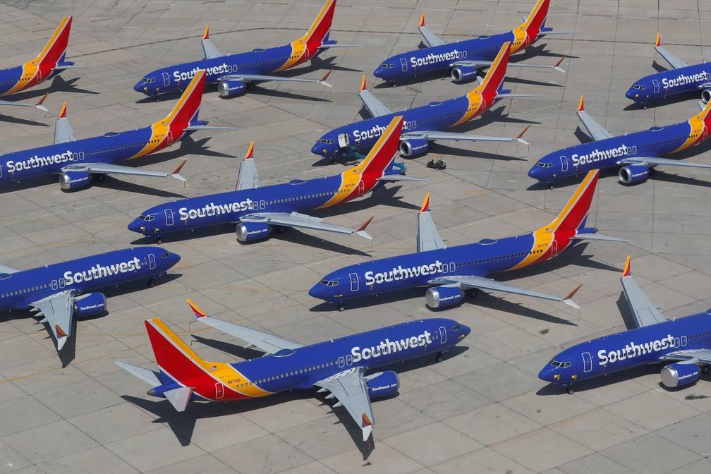 Aviões modelo Boeing 737 MAX 8 estacionados em depósito de aeronaves do aeroporto de Victorville, na Califórnia — Foto: Mike Blake/Reuters
