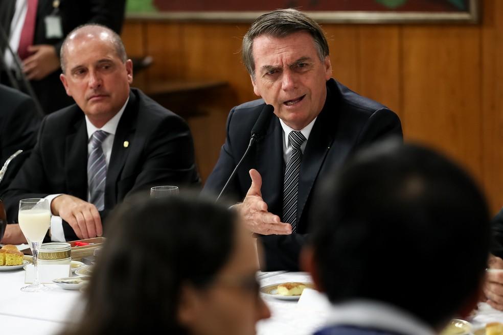Resultado de imagem para 'Passar fome no Brasil é uma grande mentira', diz Bolsonaro