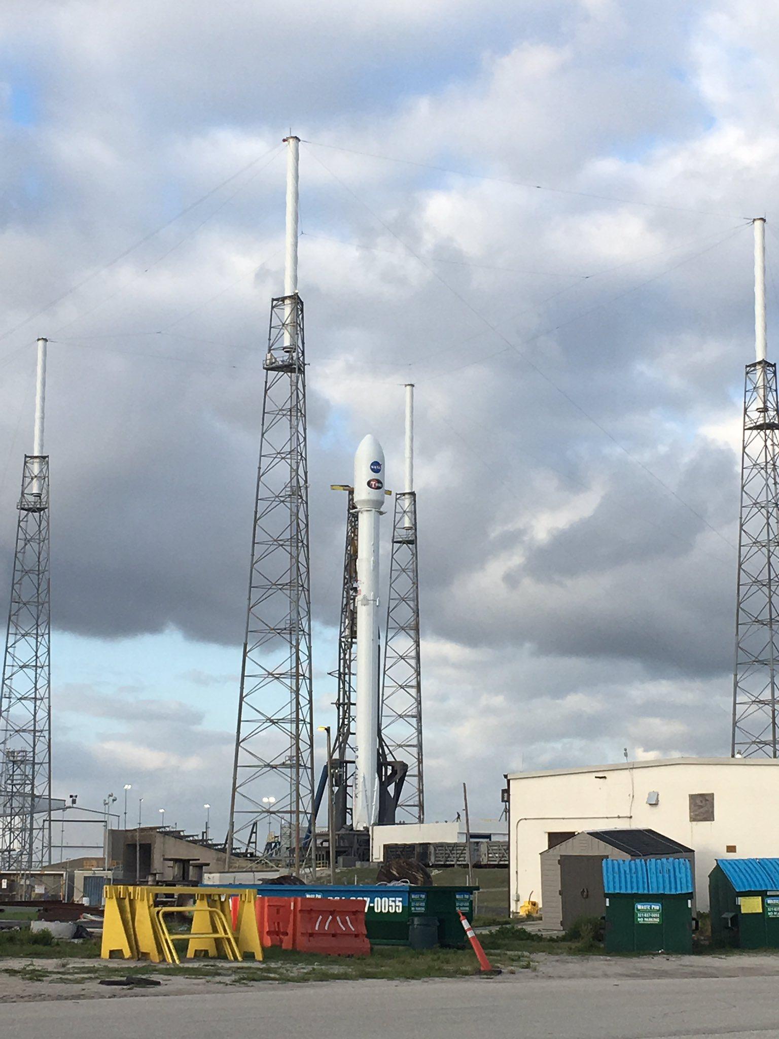 Falcon9 levará o satélite TESS para o espaço (Foto: NASA)