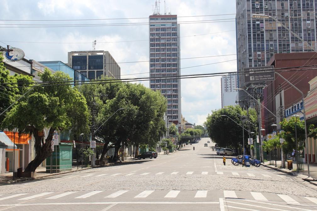 Avenida Eduardo Ribeiro, no Centro de Manaus, durante jogo entre Brasil x México (Foto: Patrick Marques/G1 AM)