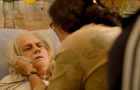 Na segunda-feira (2), Kátia (Vera Holtz) irá confessar a Lurdes (Regina Casé) que Domênico está vivo Reprodução