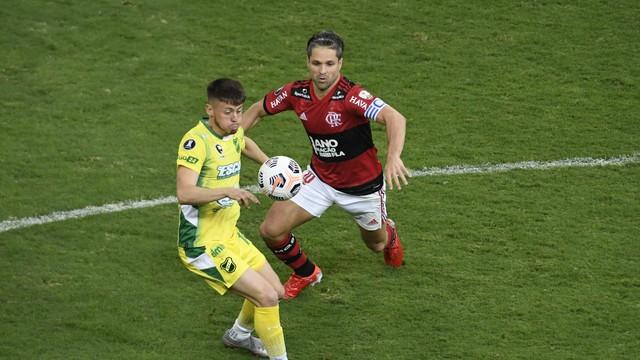 Diego em Flamengo x Defensa y Justicia, pela Libertadores
