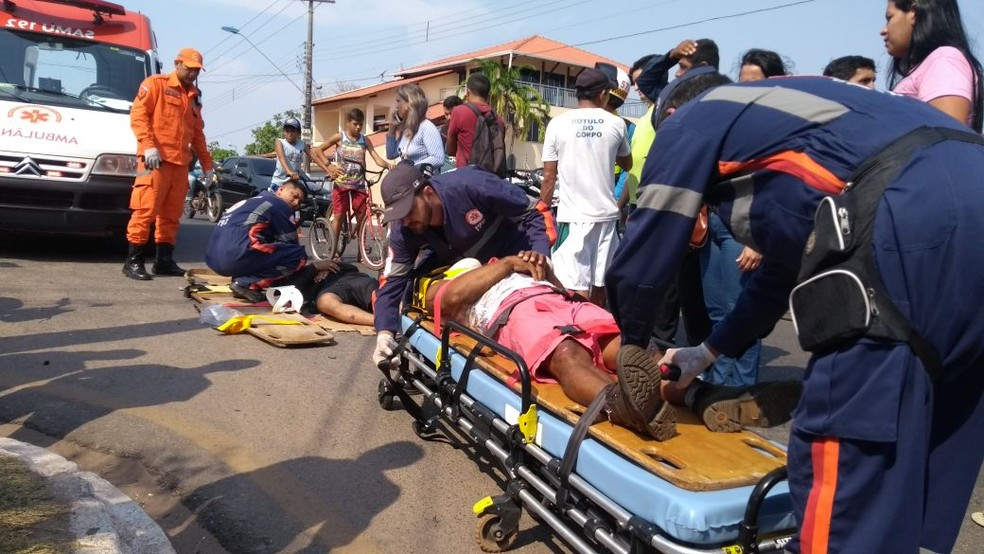 Dois dos atingidos em acidente entre motos foram levados para o PSM em Santarém (Foto: Fábio Cadete/G1)