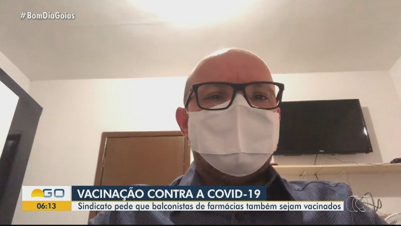 Sindicato pede que balconistas de farmácias sejam vacinados contra Covid-19