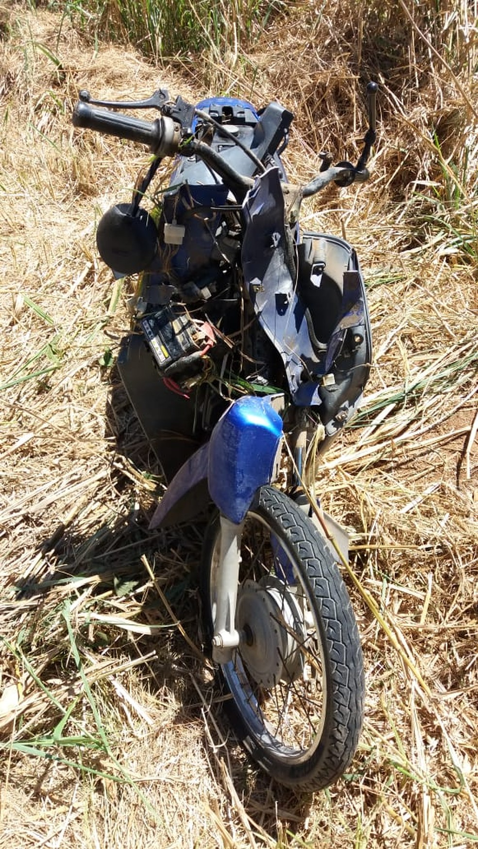 Motociclista voltava para Padre Paraíso quando sofreu acidente — Foto: PRF/Divulgação