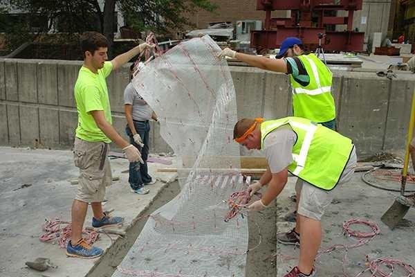 Concreto sendo testado (Foto:  Universidade de Wisconsin-Milwaukee/Divulgação)