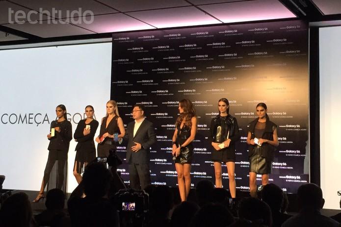 CEO da Samsung, Jong-Yong Yun, apresenta o Galaxy S6 no Brasil (Foto: Fabrício Vitorino/TechTudo)