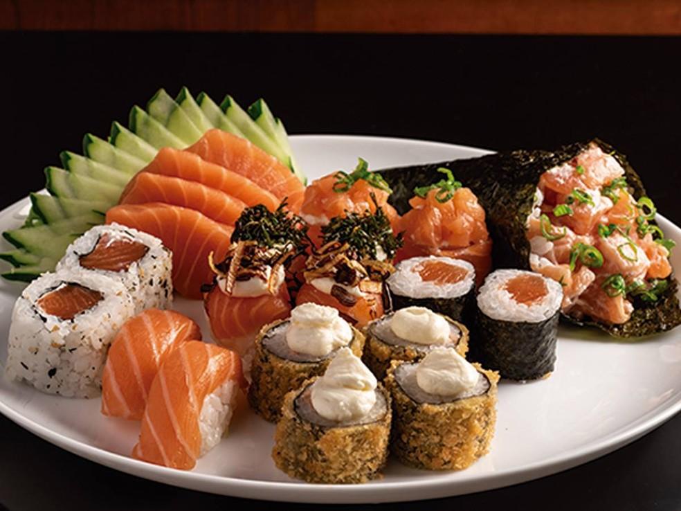 Prato de comida japonesa — Foto: Divulgação