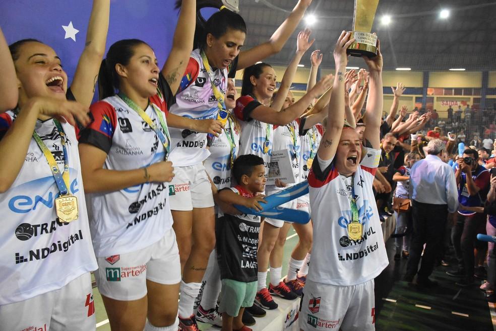 Leoas da Serra vencem Copa do Brasil (Foto: Cao Ghiorzi)
