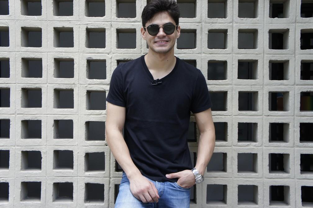 Lucas Veloso contou que vai focar no teatro durante o início de 2018 (Foto: Daniel Sousa/TV Cabo Branco)