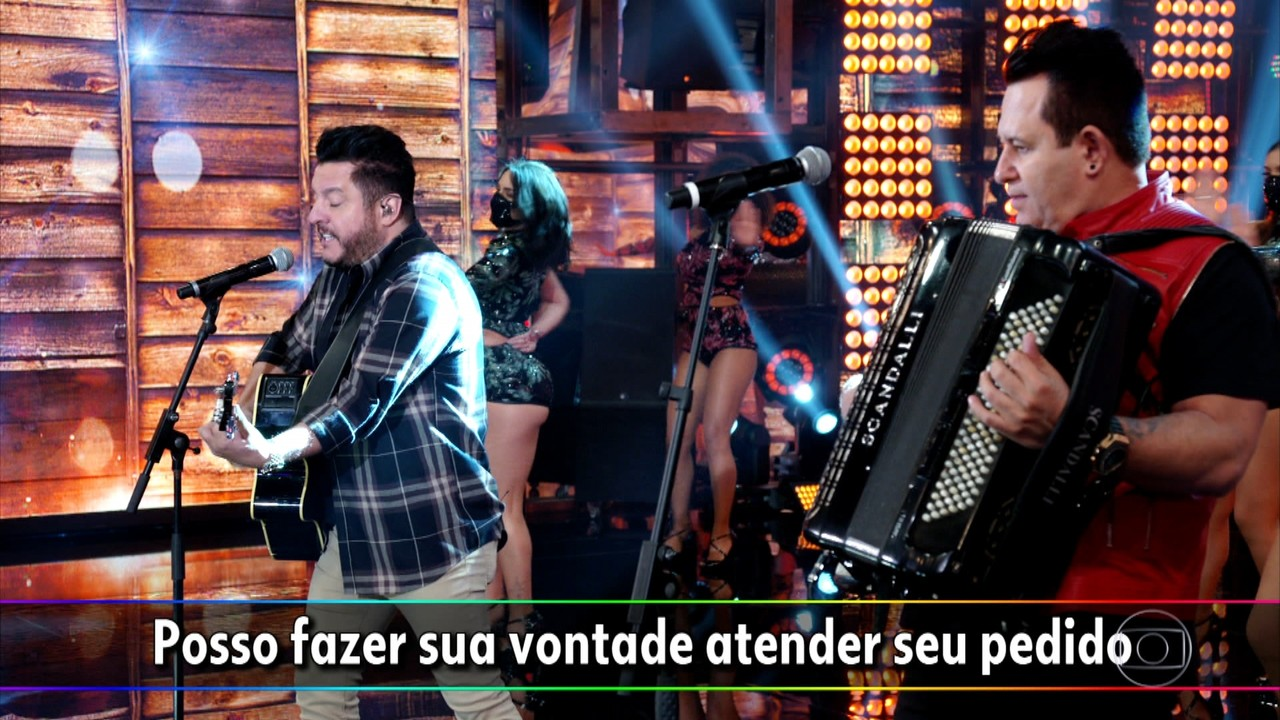 Bruno e Marrone começam cantando no 'Domingão do Faustão'