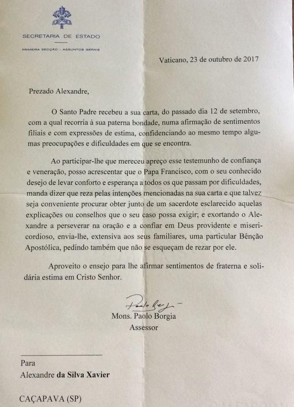 Carta na íntegra que o Alexandre recebeu do Vaticano (Foto: Arquivo Pessoal)