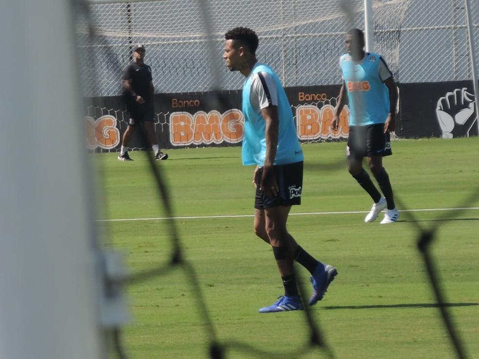 b6bc3e265af6a ... Gustagol volta a treinar com bola no Corinthians — Foto  Marcelo Braga