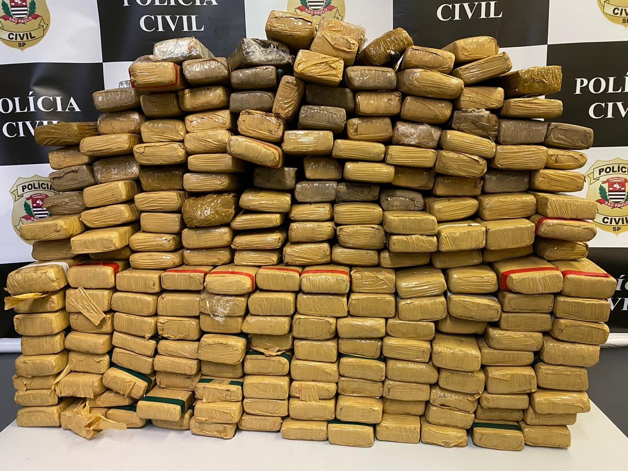 Homem é preso com quase 200 quilos de maconha em rodovia de Bofete