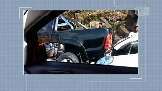 Acidente com quatro veículos deixa trânsito lento na Avenida Contorno, em Salvador
