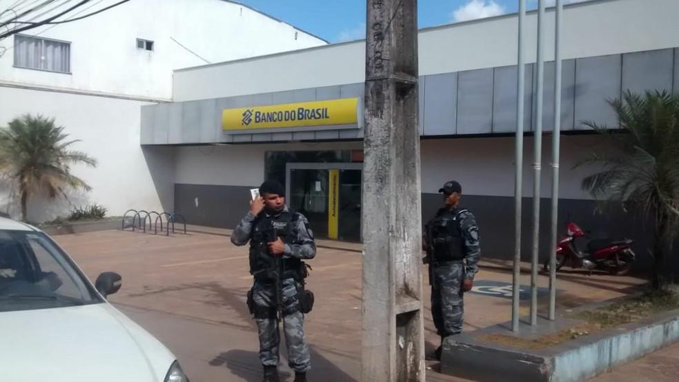 Banco do Brasil de Santa Luzia do Tide é alvo de assaltantes — Foto: Erisvaldo Santos/TV Mirante