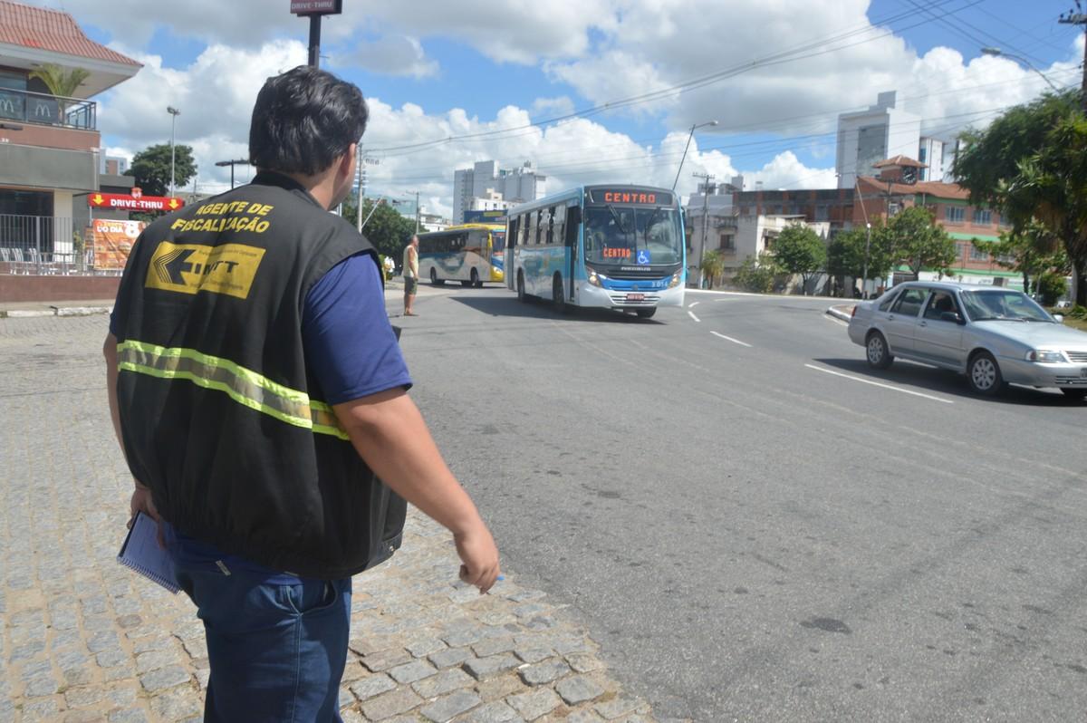 Itinerários de ônibus e vans para o Cemitério do Caju serão estendidos em Campos, no RJ