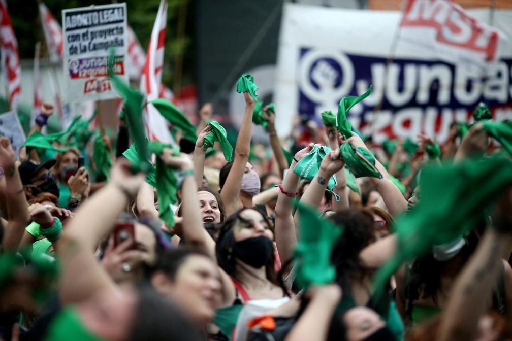 Câmara da Argentina aprova legalização do aborto — Foto: REUTERS/Agustin Marcarian