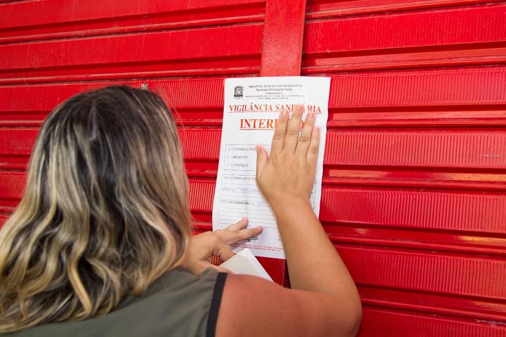 Açougue é interditado pela Vigilância Sanitária em São Sebastião (Foto: Prefeitura de São Sebastião/Divulgação)