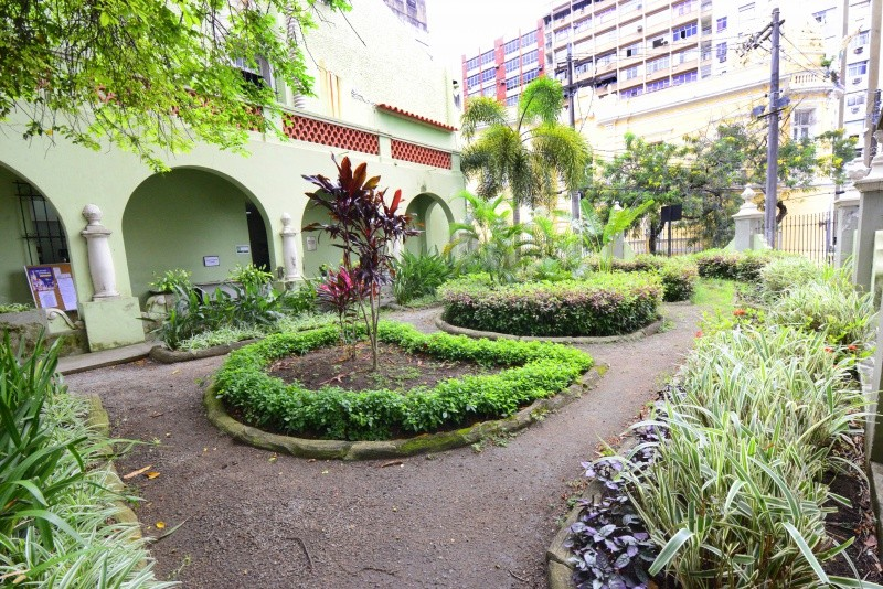 Biblioteca Municipal de Vitória faz 80 anos e traz atividades culturais