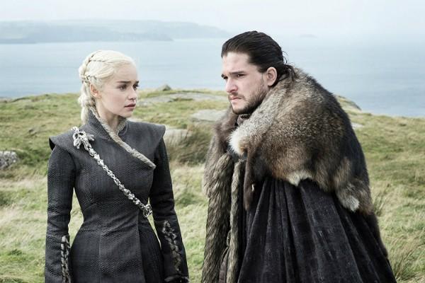 Emilia Clarke e Kit Harington em Game of Thrones  (Foto: Divulgação)
