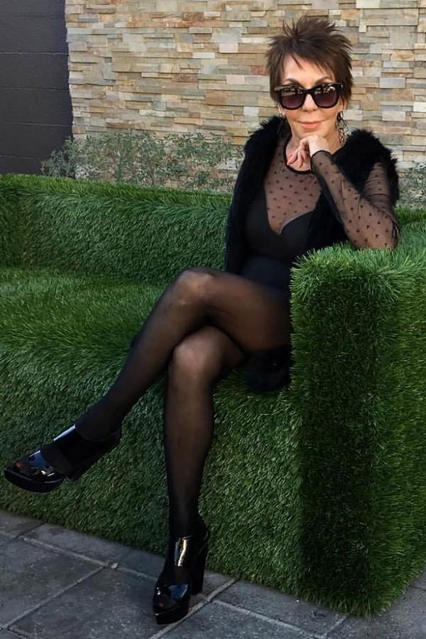 Dorrie Jacobson, modelo de lingerie, aos 83 anos