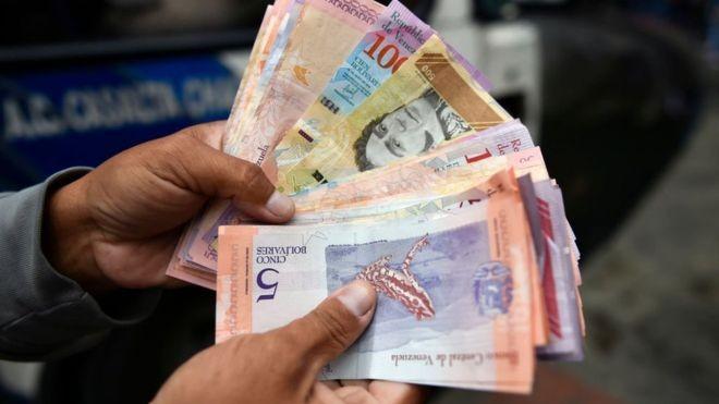 A Venezuela lançou uma nova leva de cédulas nesta quinta-feira (Foto: GETTY IMAGES/BBC News Brasil)