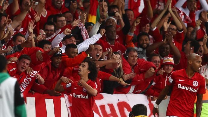 Valdivia - Inter x Atlético-MG (Foto: EDU ANDRADE - Agência Estado)