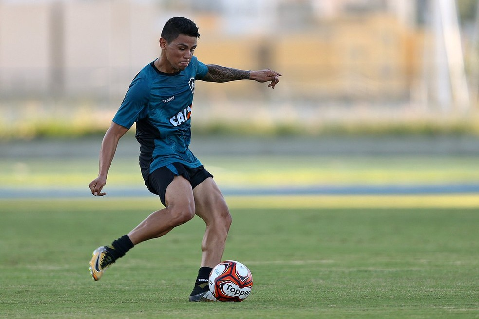 Renatinho no treino do Botafogo (Foto: Vitor Silva / SS Press / BFR)