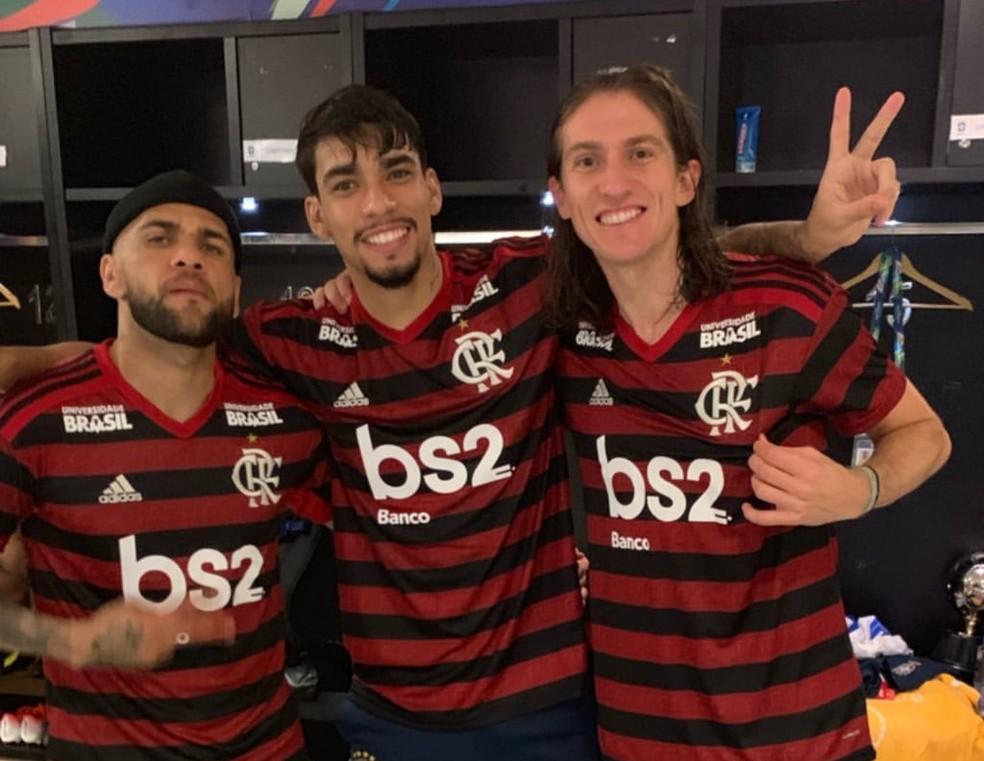 Lucas Paquetá posta foto ao lado de Filipe Luís e Daniel Alves — Foto: Reprodução