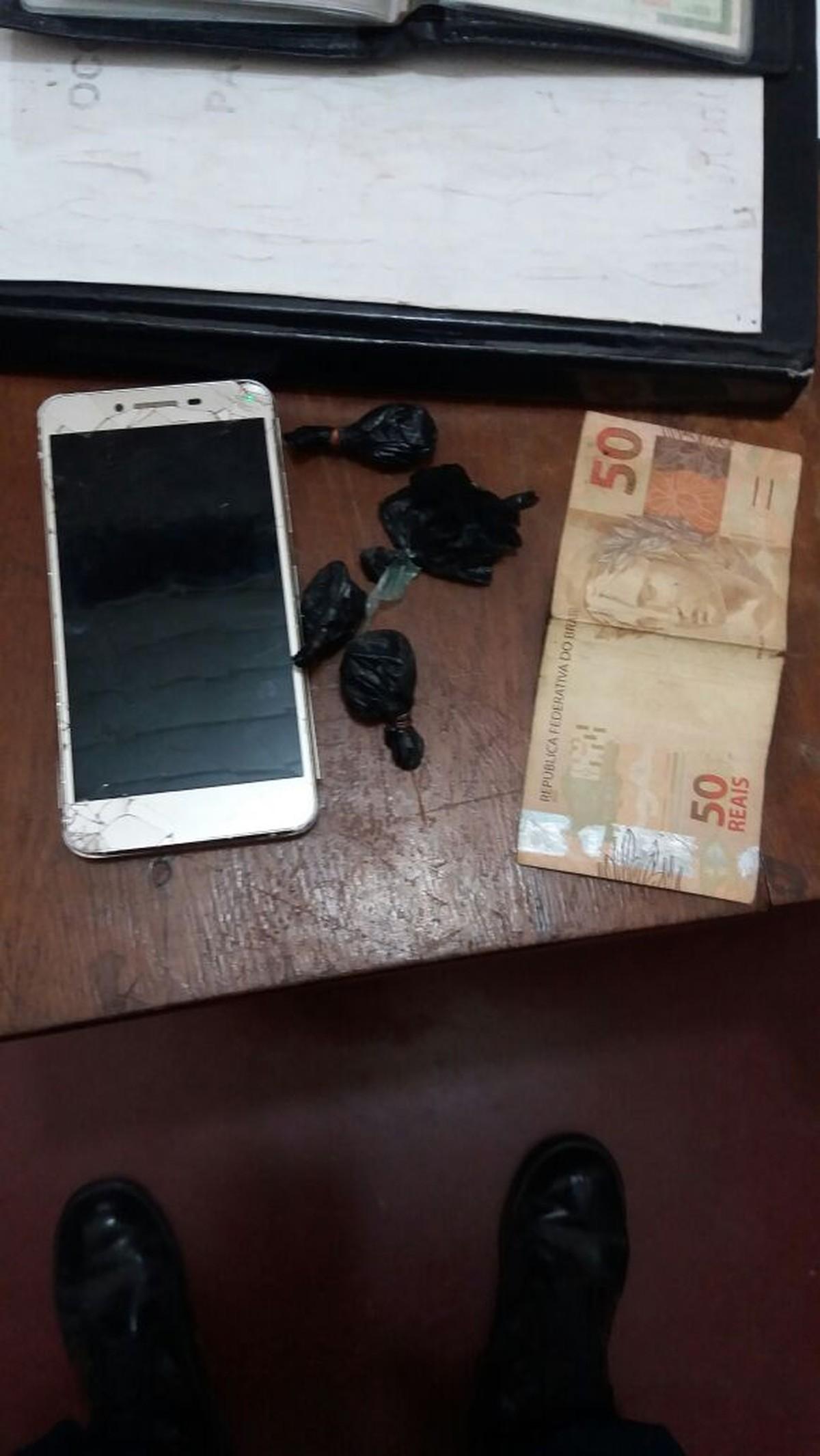 Frentista é preso suspeito de vender cocaína em posto de combustível em Caracaraí, Sul de RR