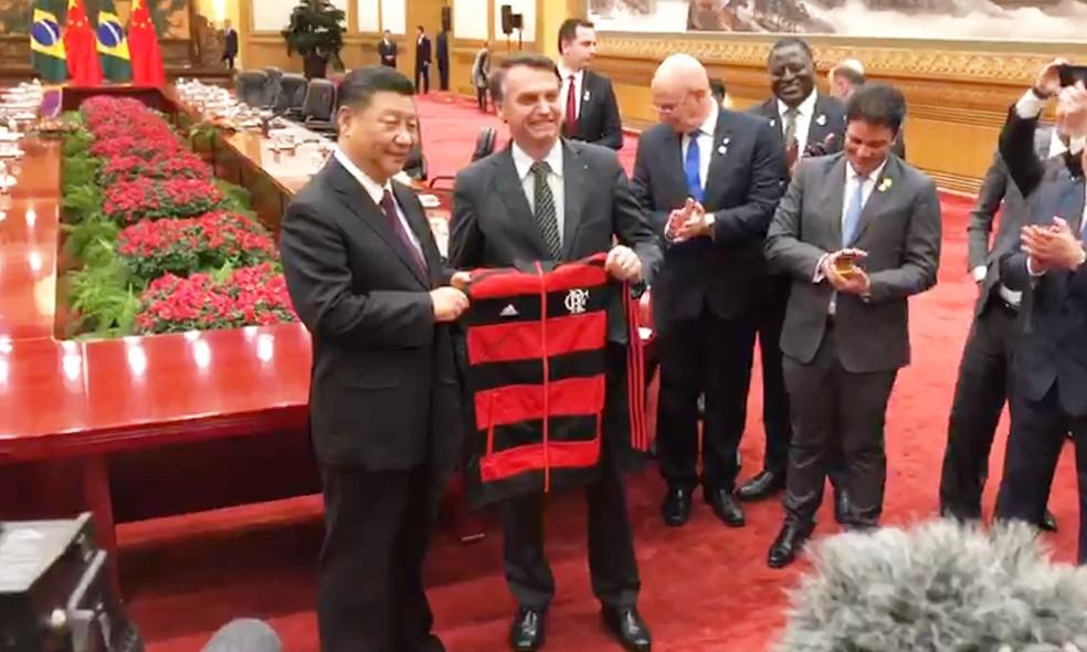 Bolsonaro e Xi, após encontro em Pequim, nesta sexta-feira (25) — Foto: Nilson Klava/TV Globo