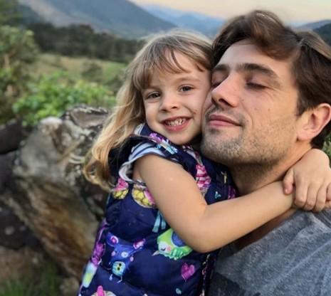 Rafael Cardosos com a filha  (Foto: Reprodução Instagram)