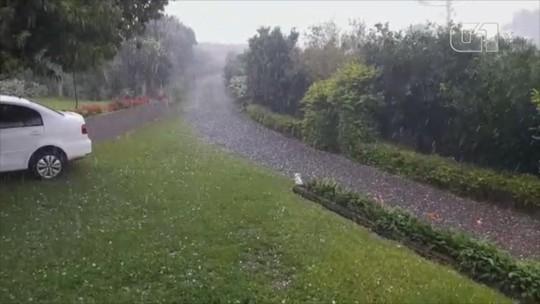 Granizo atinge cidades do interior do Rio Grande do Sul; veja o vídeo