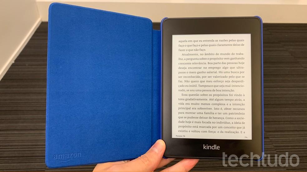 Kindle 8 vs Kindle 10: o que muda entre os leitores de e-books da