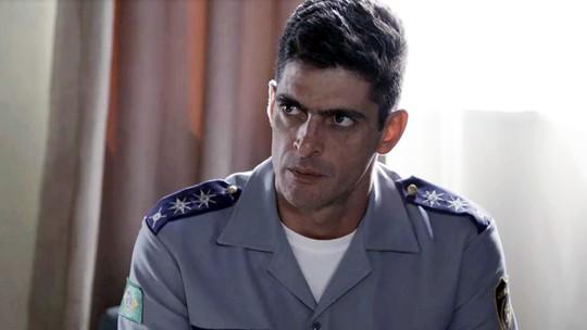 Marco Rodrigo descobre namoro de Anjinha e cobra explicação: 'Quem é Cleber?'