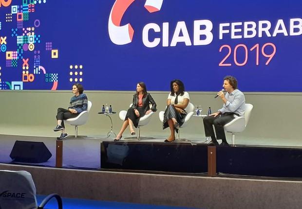 Juliana Glasser, da Carambola, Cristina Palmaka, presidente da SAP Brasil, Rachel Maia, CEO da Lacoste Brasil e Guilherme Bara, sócio da MAC Consultoria em diversidade e protagonismo (Foto: Época NEGÓCIOS)