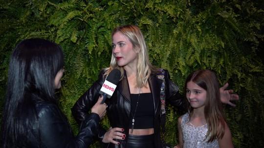 Luiza Valdetaro curte o Rock in Rio ao lado da filha