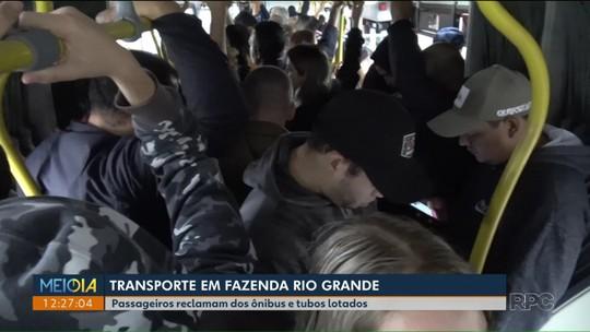 Passageiros que vão e vem de Fazenda Rio Grande reclamam da situação dos ônibus